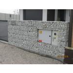 Gabiónový plot - v. 1,8 m, d. 2,5 m, š. 20-40 cm, oko 5x20cm, stĺpik 2x2,2 m + komponenty